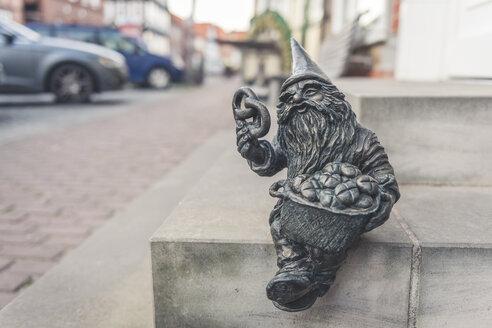 Dwarf sculpture, Hitzacker, Lower Saxony, Germany - KEB01242