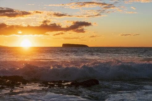 Big Beach at sunset, Makena Beach State Park, Maui, Hawaii, USA - FOF10844