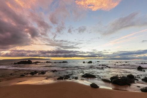 Keawakapu Beach at sunrise, Maui, Hawaii, USA - FOF10859
