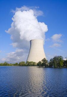 Isar Nuclear Power Plant, Niederaichbach reservoir, near Landshut, Bavaria, Germany - SIEF08657