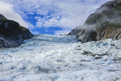 The huge icefield of the Fox Glacier, South Island, New Zealand - RUNF02487