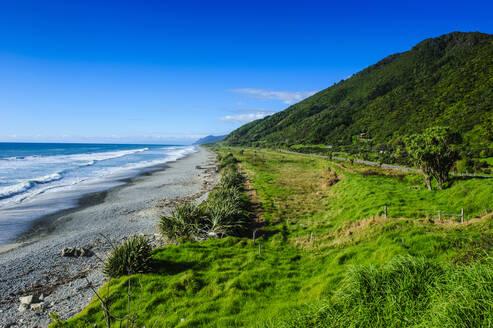 Coastline and rocky beach near Karamea, South Island, New Zealand - RUNF02604