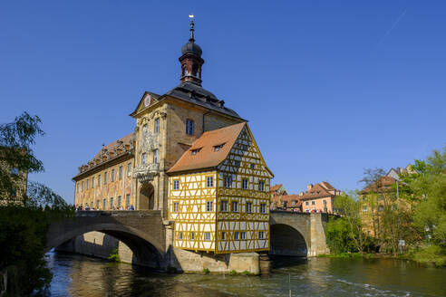 Old city hall and Obere Bruecke at Regnitz, Bamberg, Bavaria, Germany - LBF02605