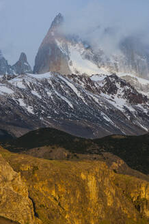 View of Mount Fitz Roy near El Chalten at sunrise, Patagonia, Argentina, South America - RUNF02735