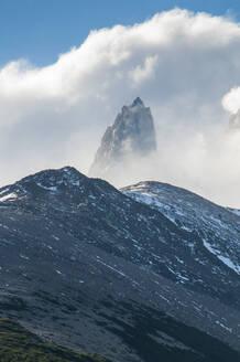 Mount Fitzroy, Unesco world heritage sight El Chalten, Argentina, South America - RUNF02741