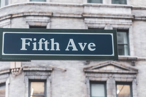 Fifth Ave sign, Manhattan, New York City, USA - MMAF00993