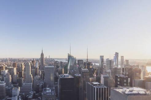 Skyline at sunset, Manhattan, New York City, USA - MMAF01005