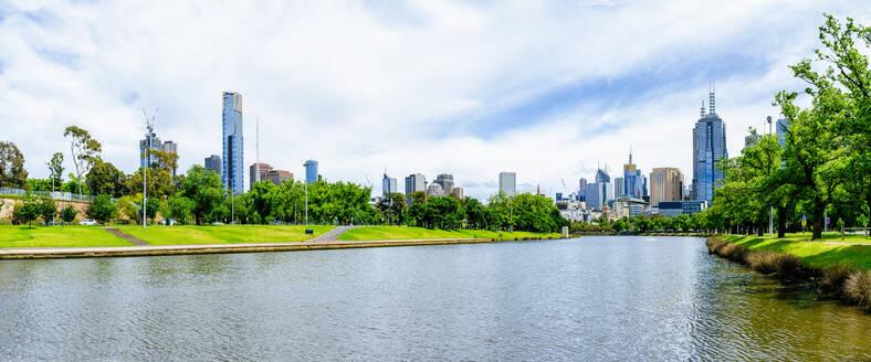 Cityscape of Melbourne with Yarra river, Victoria, Australia - KIJF02490