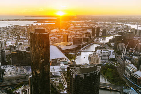 Australia, Melbourne, cityscape at sunset of the city of Melbourne. - KIJF02499