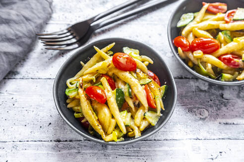 Schupfnudeln with zucchini, leek, tomato and cheese - SARF04310