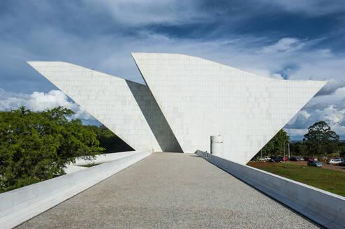 Architecture art of oscar Niemeier at the Plaza of the Three Powers, Brasilia, Brazil - RUN02854