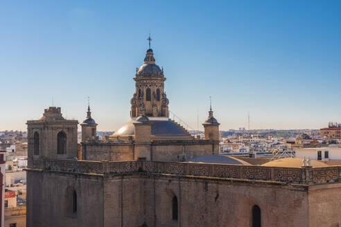 Iglesia de la Anunciación and Seville historic center in the background seen from Setas de Seville - TAMF01554