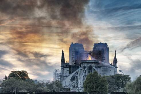 Notre-Dame de Paris fire, Paris, Ile-de-France, France - CUF51951