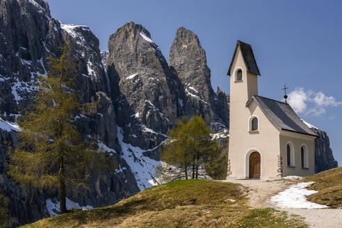 Kirche am Grödnerjoch, Sellastock, italienische Dolomiten, Südtrirol, Italien - STSF02066