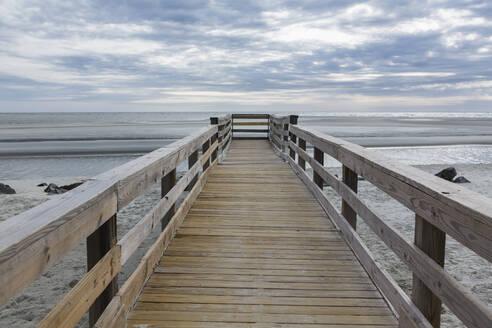 Wooden pier over beach - BLEF09245