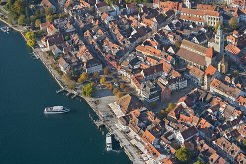 Germany, Baden-Wurttemberg, Uberlingen, Aerial view of Lake Constance and old town - SHF02212