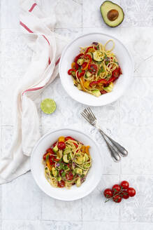 Spaghetti with grilled vegetables, paprika, zucchini, avocado, tomato and coriander - LVF08203