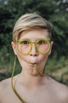 Portrait of freckled boy with funny glasses - VPIF01393