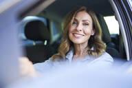 Woman in a car - PNEF01753