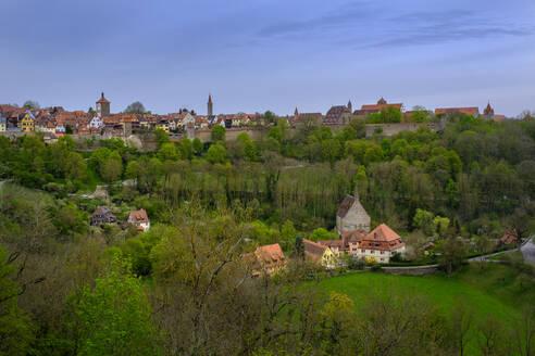 Altstadt vom Burggarten, Rothenburg ob der Tauber, Mittelfranken, Franken, Bayern, Deutschland - LBF02655