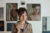 Portrait of a female painter in her studio - OGF00109