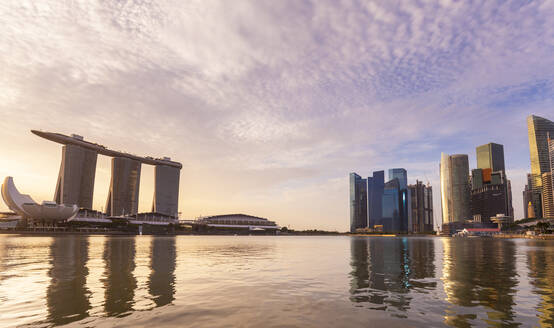 Singapore, Singapore, Skyline Financial District and Marina Bay - HSIF00750