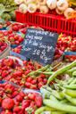 Fresh fruit, Aix en Provence, Bouches du Rhone, Provence, Provence-Alpes-Cote d'Azur, France, Europe - RHPLF00113