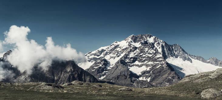 Monte Disgrazia, Bernina Alpen, Chiesa in Valmalenco, Lombardei, Italien - DWIF01027