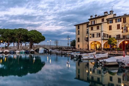 Sunset over marina at Lake Garda in Desenzano, Lombardy, Italy, Europe - RHPLF00644