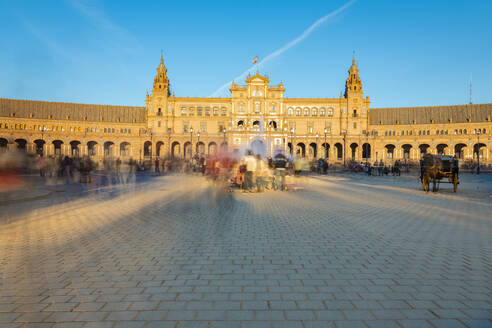Plaza de Espana in Parque de Maria Luisa, an example of the Regionalism Architecture elements of Renaissance and Moorish styles, Seville, Andalucia, Spain, Europe - RHPLF00762
