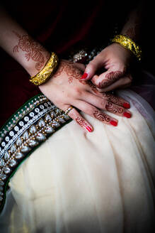 Henna on bride's hands, United Kingdom, Europe - RHPLF01217