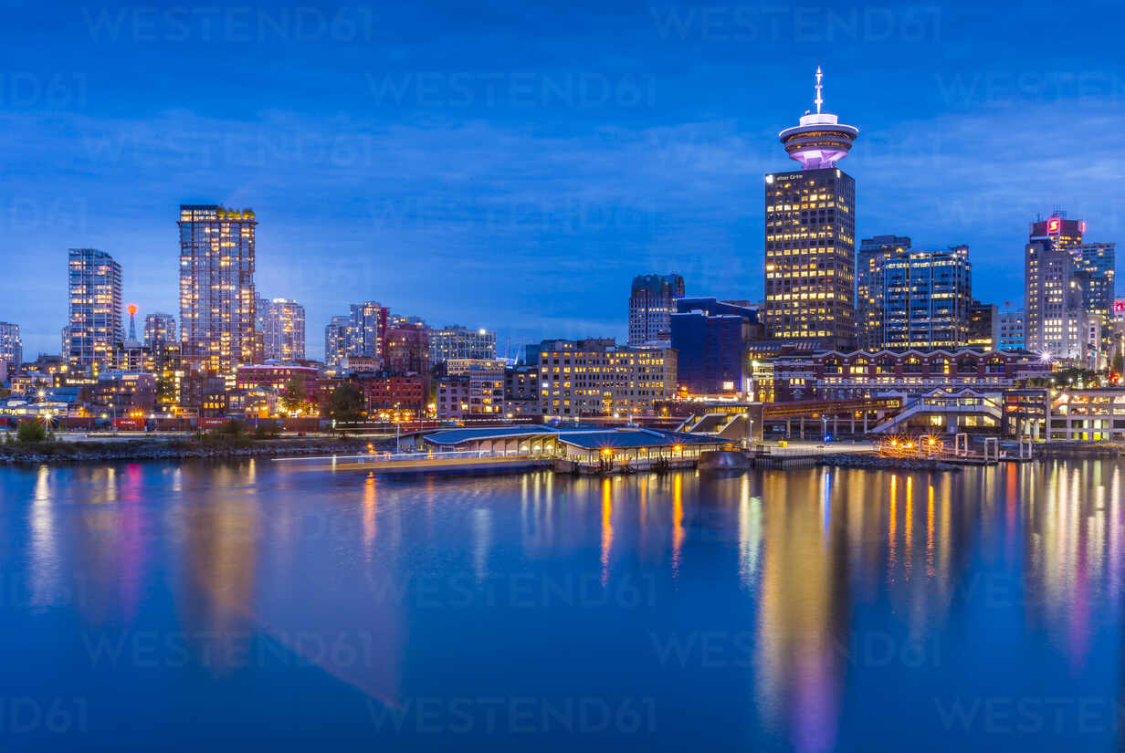 City skyline including Vancouver Lookout Tower as viewed from Canada Place at dusk, Vancouver, British Columbia, Canada, North America - RHPLF02214 - RHPL/Westend61