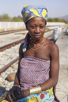 Ndengelengo woman at the train station, Garganta, Angola. - VEGF00534