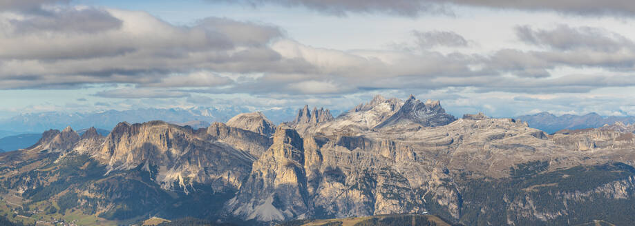 Panoramic shot of Piz Boe and Sassolungo mountains seen from Lagazuoi, Italy - WPEF01817