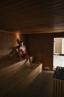 couple in spa hotel/SPAIN/GRANADA/MOTRIL - LJF00843