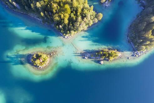 Eibsee mit Insel Sch�nbichl und Braxeninsel, bei Grainau, Werdenfelser Land, Luftbild, Oberbayern, Bayern, Deutschland - SIEF08953
