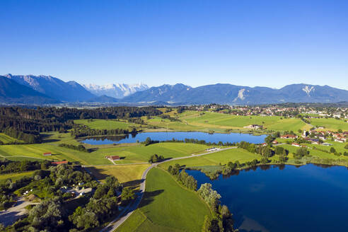 Idyllic view of lakes in Bavarian Alps, Germany against clear blue sky - LHF00674