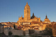 Old town, town wall and Cathedral at sunset, UNESCO World Heritage Site, Segovia, Castillia y Leon, Spain, Europe - RHPLF07440
