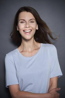 Portrait of happy attractive woman - PNEF01952