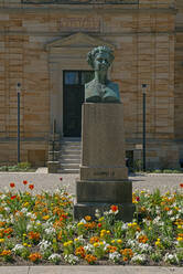 Statue in front of Wahnfried at Hofgarten, Bayreuth, Germany - LBF02704