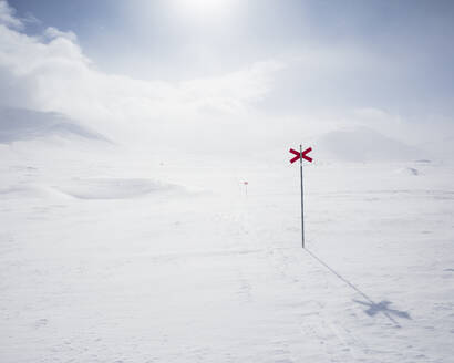 Markers in snow of Kungsleden trail in Lapland, Sweden - FOLF11066