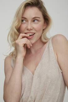 Portrait of smiling blond woman - PGCF00004