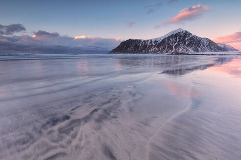 Skagsanden beach at sunset, Flakstad municipality, Lofoten Islands, Nordland, Norway, Europe - RHPLF10604