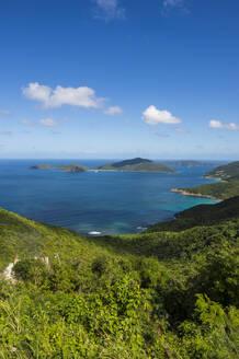 Tranquil view of Caribbean sea against sky, Tortola, British Virgin Islands - RUNF03148