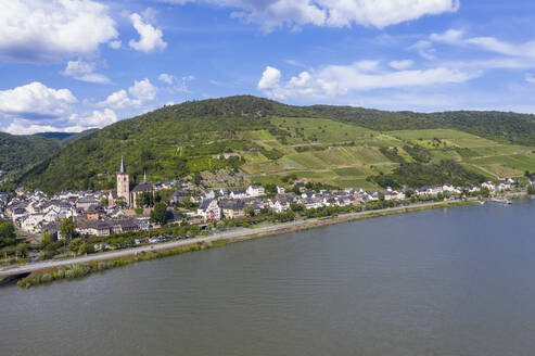 Aerial view of mountain by Rhine River against sky in Lorch, Germany - RUNF03168
