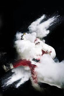 Snow bomb explodes in Santa Claus - OCMF00752