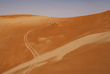 Sultanate Of Oman, Wahiba Sands, Dune bashing in a SUV - WWF05299
