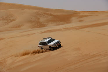 Sultanate Of Oman, Wahiba Sands, Dune bashing in a SUV - WWF05305