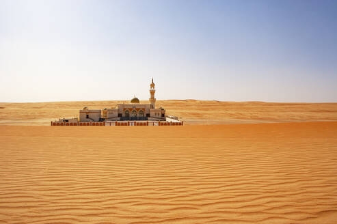 Mosque in the desert, Wahiba Sands, Oman - WWF05308