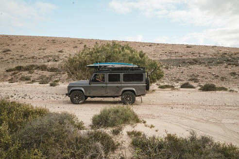 Overland adventure while driving a 4x4 in fuerteventura - CAVF63745